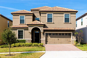 8 Bed Rm Orlando Villa at Championsgate resort 9 miles to Disney