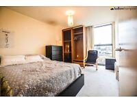 Stunning one bedroom property in Paddington! Very competative price!