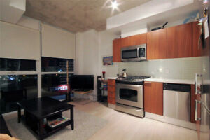 MODERN 1 BED DOWNTOWN CONDO + LOCKER (KING & PARLIAMENT)