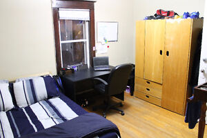 Spacious and Furnished Room for Rent close to UW Jan-April
