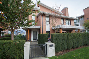$3750(ORCA_REF#2965W)Near New 2 Bed 3 Bath Townhouse in Hastings