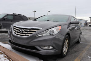 SONATA CLEAN PRICE REDUCED  LOW KMS WITH WINTER TIRES CHEAP!!!!