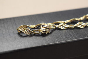 Beautiful Ladies 10k Yellow Gold 6.7 Gram Diamond Bracelet