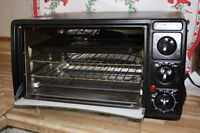 LIGHTLY USED BRAVETTI TOASTER OVEN