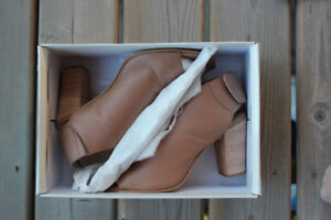Never Worn Steve Madden Leather Shoes