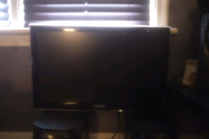 28 inch samsung Tv/monitor with remote