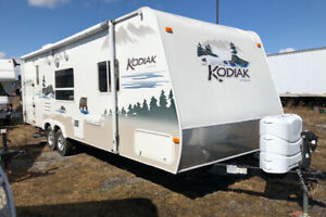 2006 Kodiak 26rks sofa slide out in very good cond $8,900