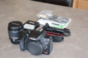 Canon Rebel XS DSLR - Excellent Condition