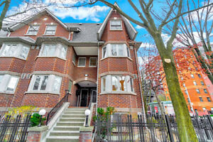 Designer Inspired 4 Bedroom End Unit Townhome in Prime Location!