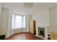 Stunning LARGE Four Bedroom Period Conversion with Garden - Hackney