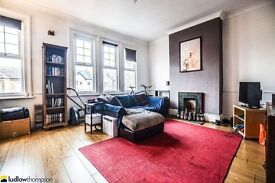 **Period split level Flat** 3 large double bedrooms, large kitchen diner and Lounge in East Dulwich.