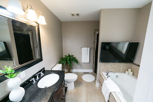 ONLY STEPS FROM MILL CREEK RAVINE!! 3000 sq ft FULLY FINISHED! Edmonton Edmonton Area image 9