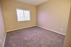Beautiful 2 Bdrm Condo with New Flooring & Paint Edmonton Edmonton Area image 7