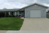 House for sale in Morris, Manitoba PRICE REDUCED