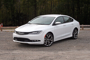 2015 CHRYSLER 200 S IN NEW CONDITION!!!!