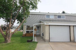 Fully Finished 2 Storey END UNIT Condo in Grandin