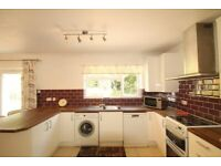 3 bedroom house in Howcroft Crescent, FINCHLEY, N31
