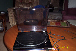 Realistic Lab-340 Belt Drive Automatic Turntable