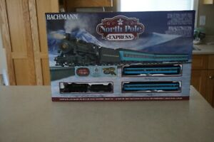 North Pole Express (HO Scale) Bachmann