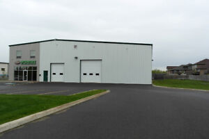 7600 sq ft Commercial Building