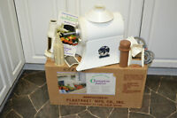 CHAMPION G5-NG-8535 JUICER, ATTACHMENTS, BOX, MADE IN USA.