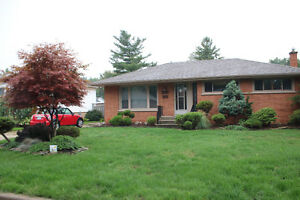 Beautiful three bedroom home in desirable South Windsor! $1450 +