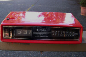 VINTAGE 80'S DIGITAL HITACHI CLOCK RADIO