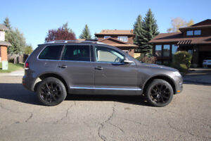 2008 Volkswagen Touareg R Line SUV, Crossover