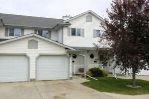 3Bed/3Bath Townhome With Front Attached Garage - Leduc