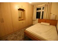 1 bedroom in Chatsworth Crescent, HOUNSLOW, TW3