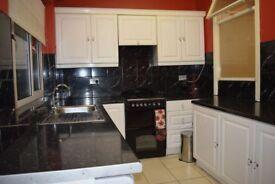 3 bedroom house in Crofton Road, Plaistow, E13