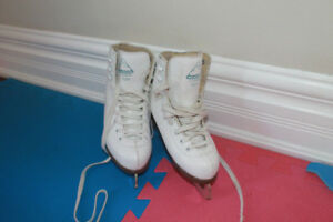 Junior girl size 13 figure skates