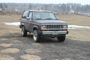 1985 Ford Bronco II XLT SUV, Crossover