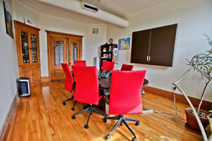 Bureaux-chaises-table de réunion- armoires - Meubles Lacasse