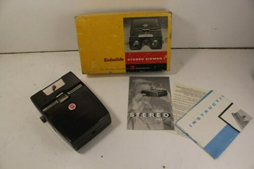 Kodaslide Stereo Viewer Lighted - in Original Box