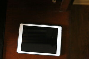 IPad air + Cellular 128GB and leather case (excellent condition)