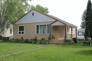 River Heights/Crescentwood - 3 Bedroom - AVAILABLE MAY 1