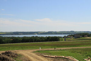 Looking to build a new home in town or on an acreage?