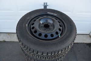 Montana/Uplander 225/60/17 Goodyear Snows On Rims 80% Tread