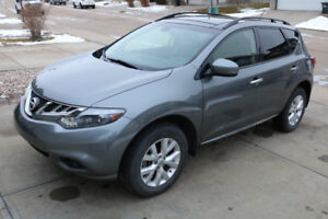 2013 Nissan Murano SL with very low KM's and in great condition!