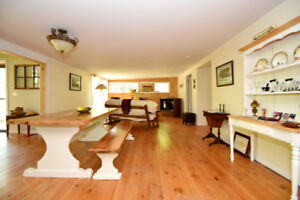 WOW Sauble Beach Waterfront room for the WHOLE gang