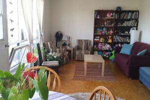 Sublet 4 1/2 Furnished Apartment in Westmount