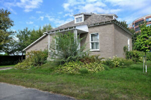 single house in brossard only $2300 per month