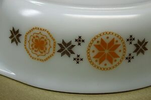 """Pyrex ""Town & Country"" Oval Casserole & Lid 1963 1 1/2qts. Kingston Kingston Area image 4"