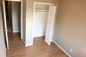 LOCATION!!! Broadway/University Dr. - Roommate wanted - Oct.1
