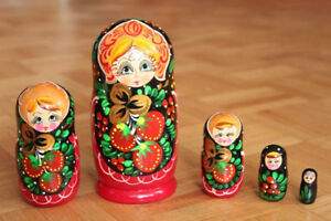Babushka nesting dolls set of 5