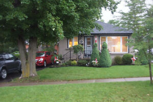 966 Oriole Dr. Beautiful 3 Bedroom bungalow for rent