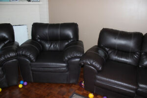3 piece bonded leather sofa set $300