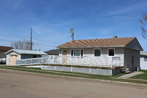 WHEELCHAIR ACCESSIBLE, HANDICAP HOME FOR SALE - Daysland
