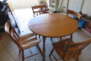 Roxton Table&Chairs - New Price!